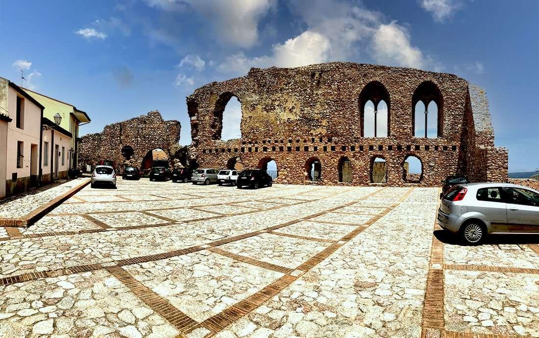 San Marco D'Alunzio: castello