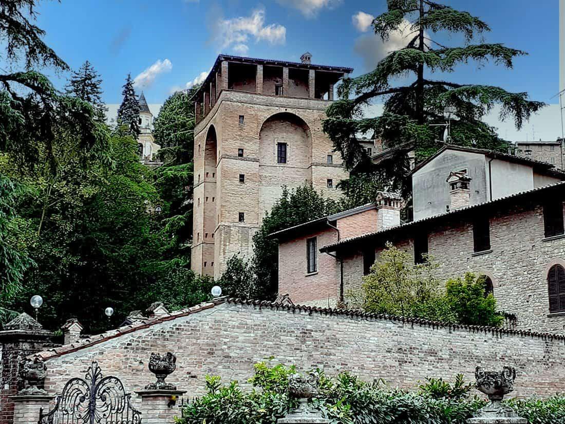 Castell'Arquato: il Torrione Farnese