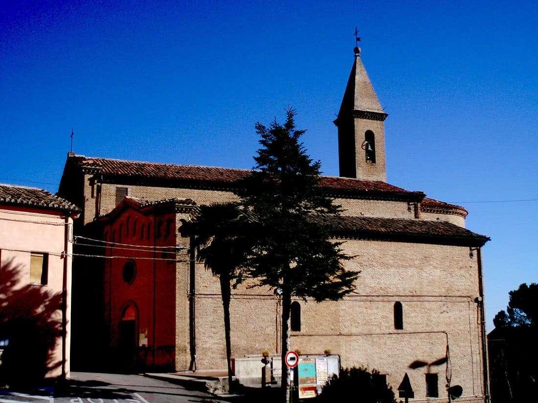 Castelleone di Suasa: chiesa dei Santi Pietro e Paolo