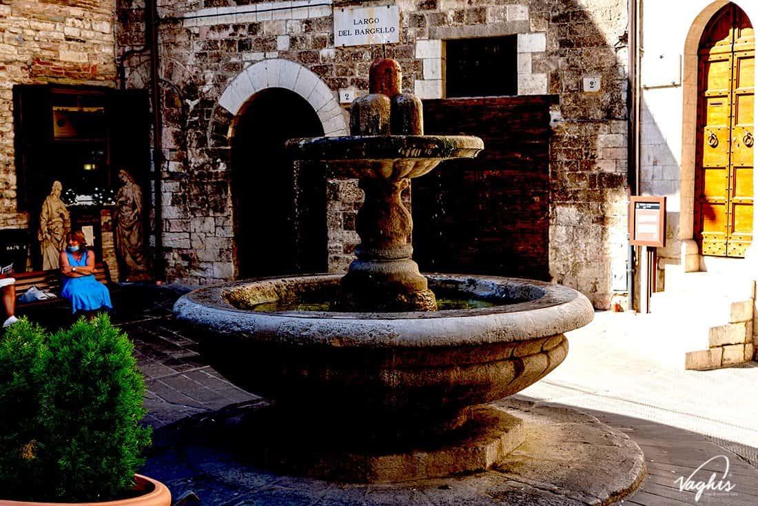 Gubbio: Fontana del Bargello