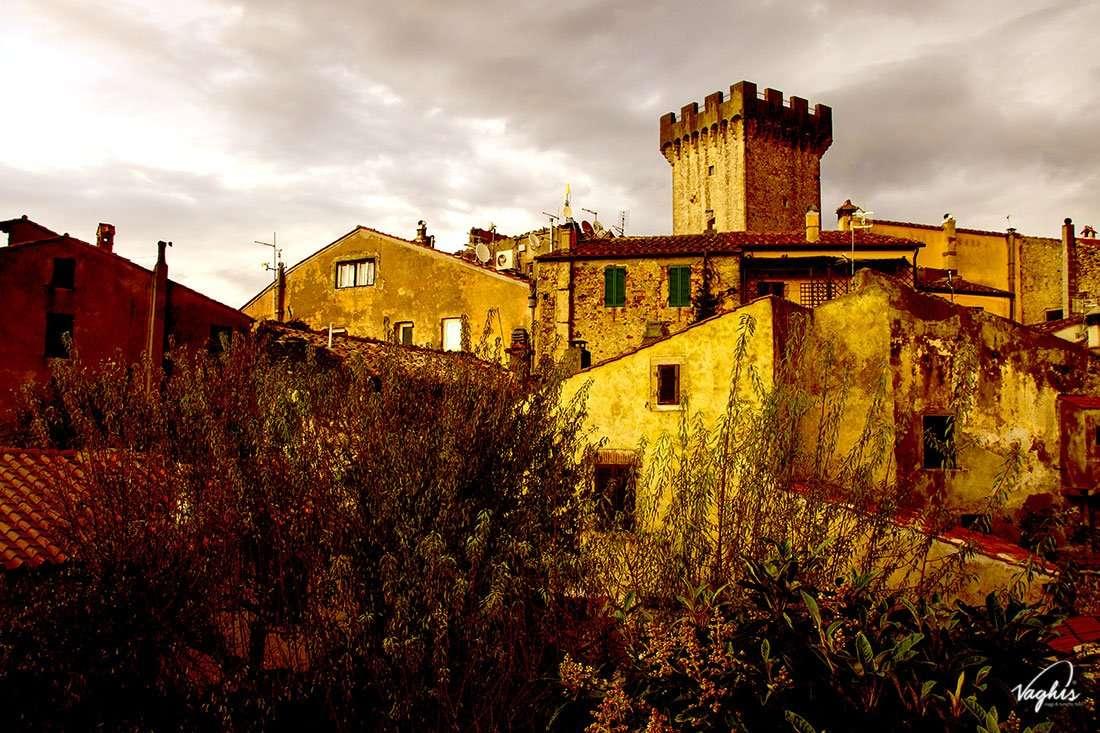 Capalbio - torre merlata