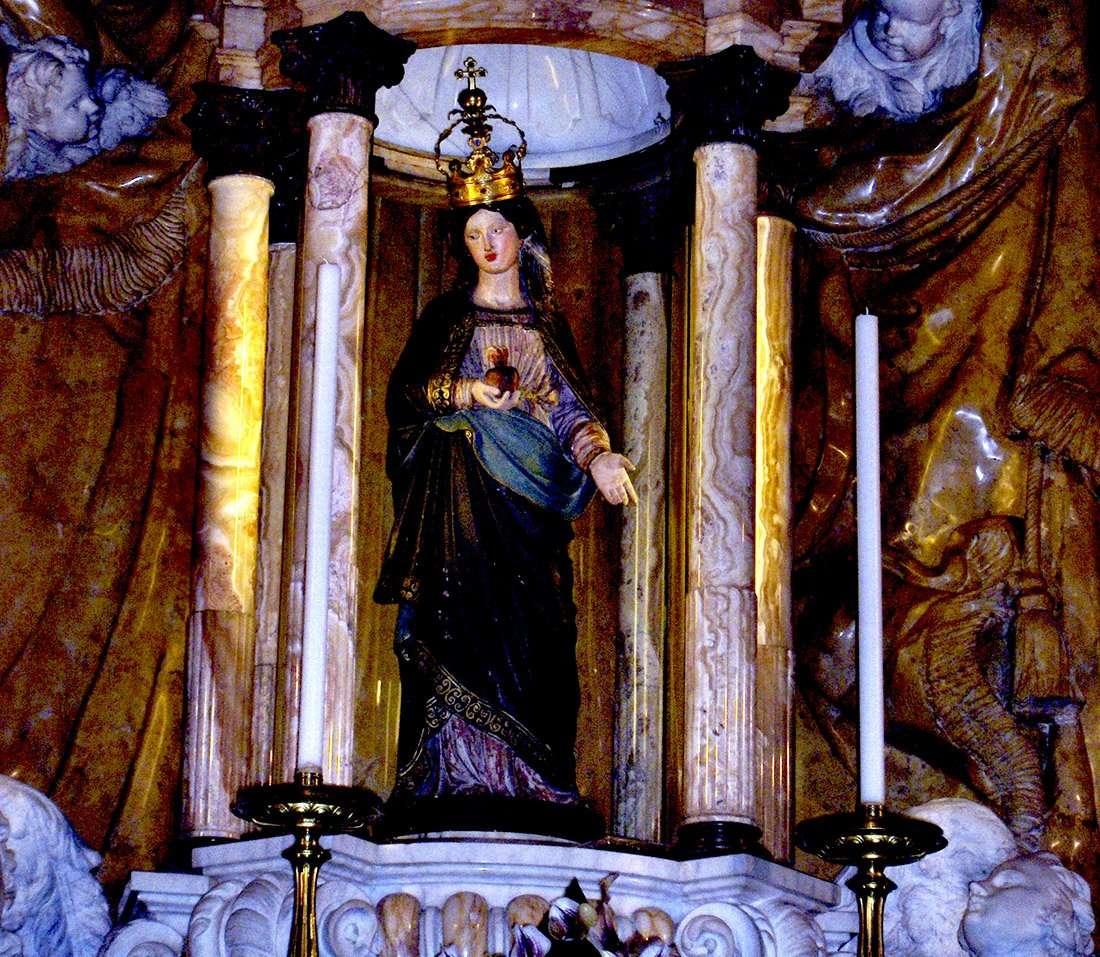 Taggia - Statua della Madonna Miracolosa