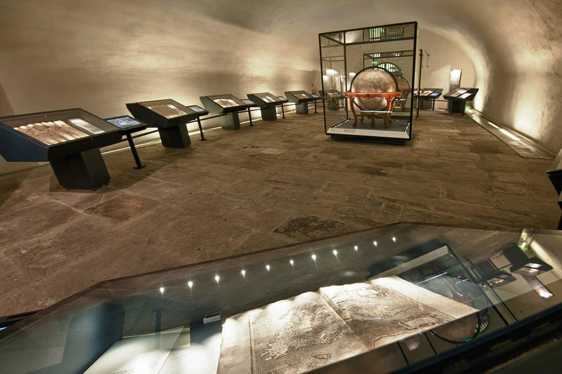 Sala dei Globi e degli Atlanti - ©Galata Museo del Mare – Tutti i diritti riservati