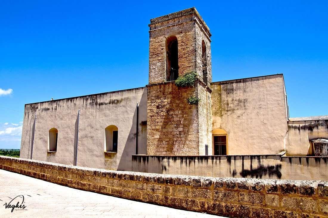 Specchia - Chiesa e convento dei Francescani Neri