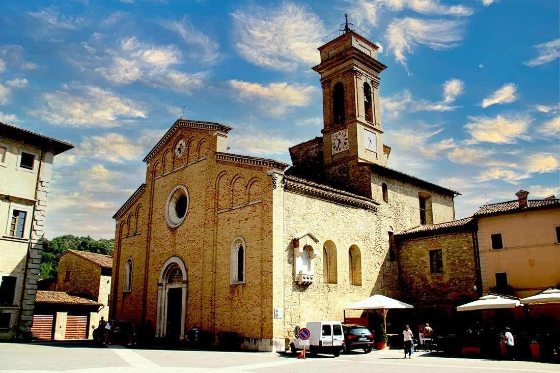 Mercatello sul Metauro: Pieve collegiata dei Santi Pietro e Paolo
